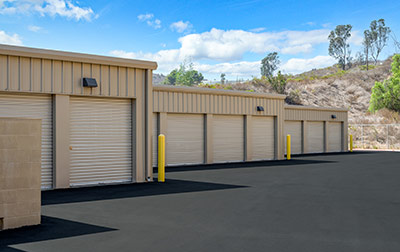 Easy drive up loading & unloading with wide driveway aisles.
