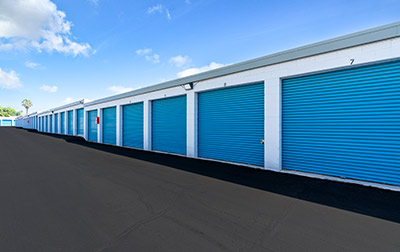 Outdoor drive up units with wide driveway aisles.